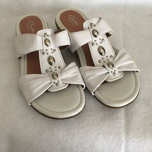 Clarks White leather Sandals Size 9